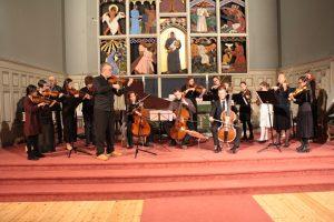 Kammerorkester spiller barokk musikk